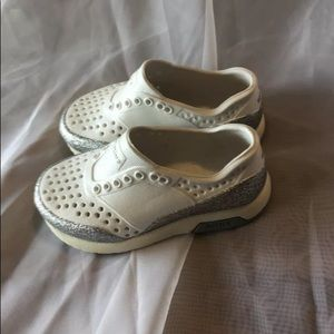 Native Lennox In White And Glitter Size 6